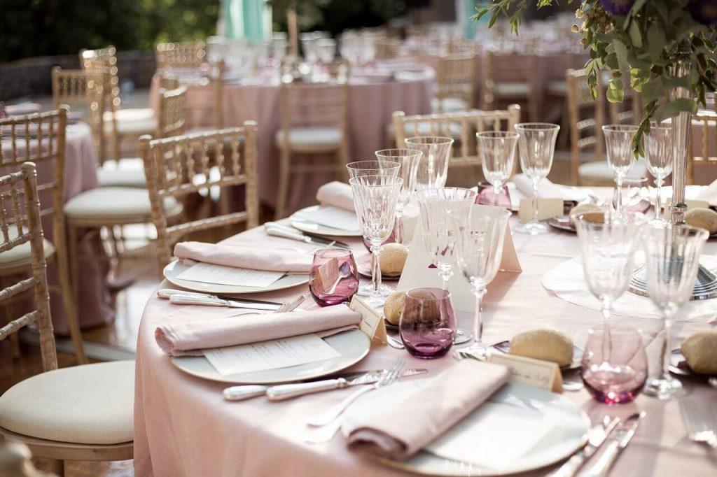 ゲストに迷惑をかけずに結婚式をあげるならいつがいい?