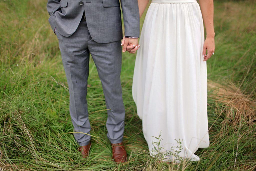 自分たちの結婚式の雰囲気にあった衣裳を選んで新郎もオシャレを楽しんで