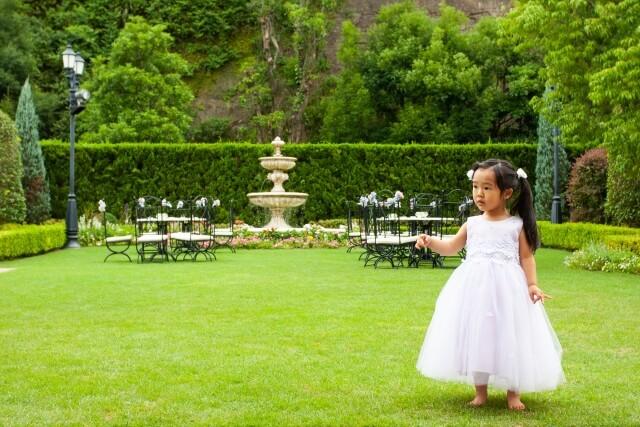 子供が着ることが出来る結婚式での洋装は?