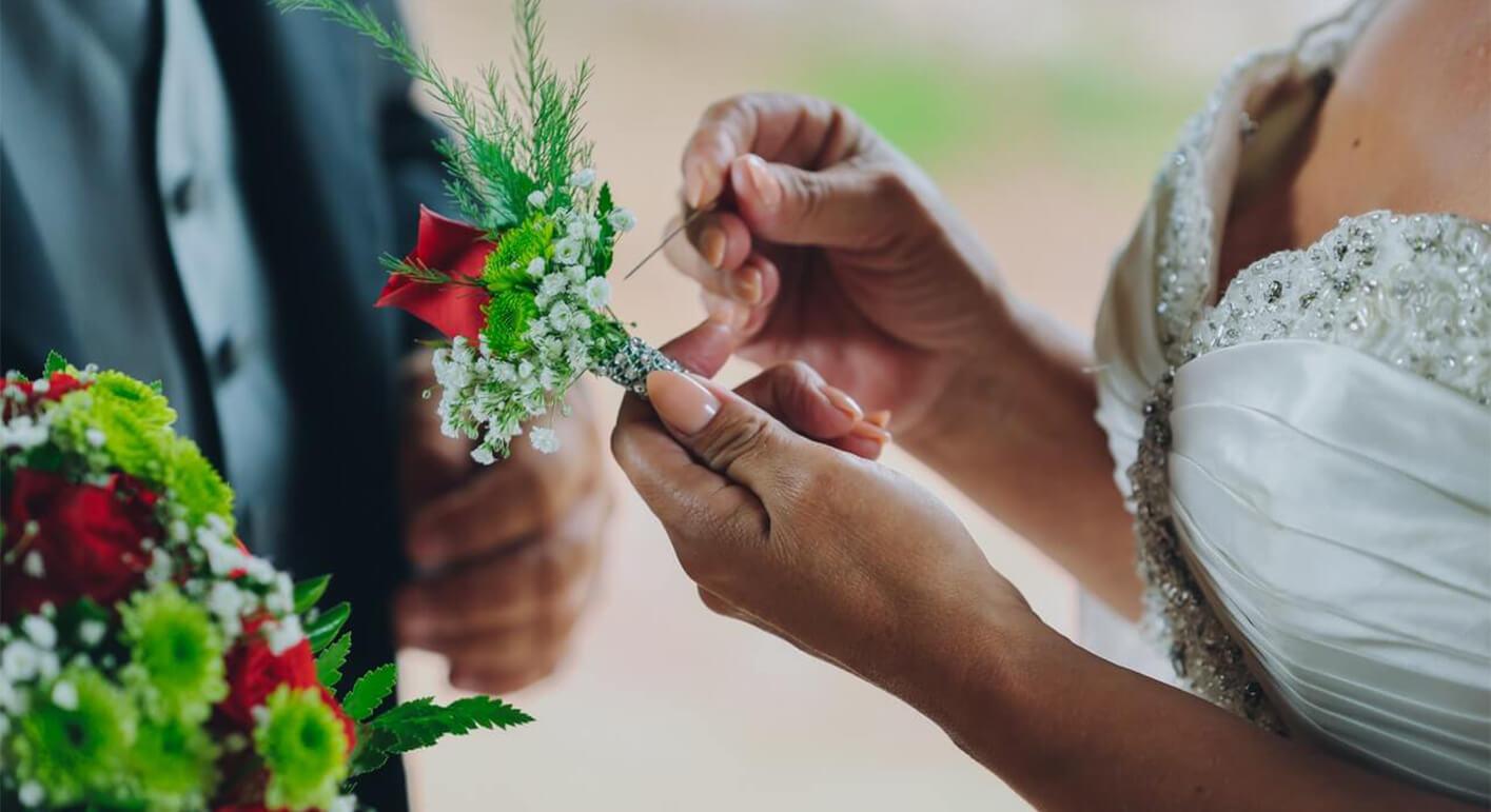 新郎新婦の衣裳アイテムには意味がある。意味を知ってより大切な結婚式に。