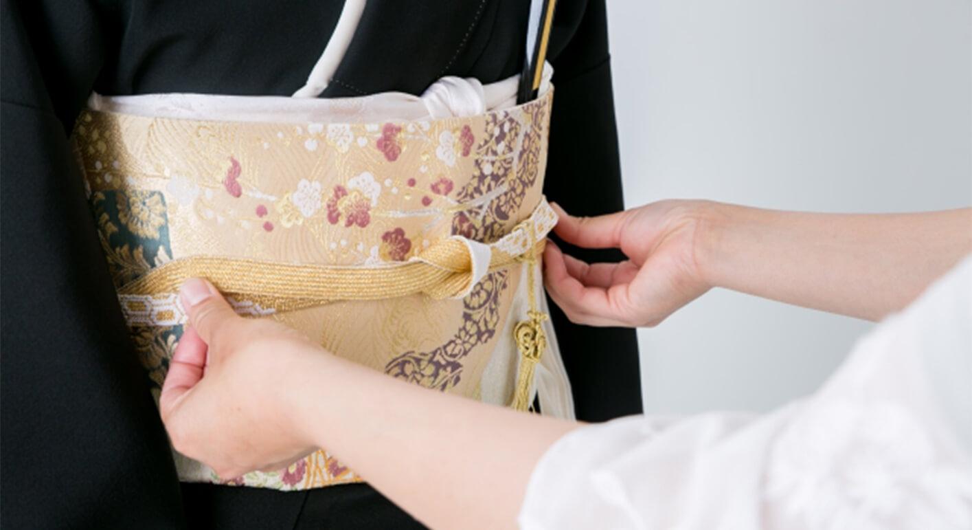 お母さんの留袖どう決める?柄の意味を知れば好みの留袖が見つかります!
