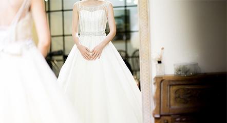 海外挙式、遠方でウエディングフォトを検討しているなら知っておきたいドレスの手入れ方法