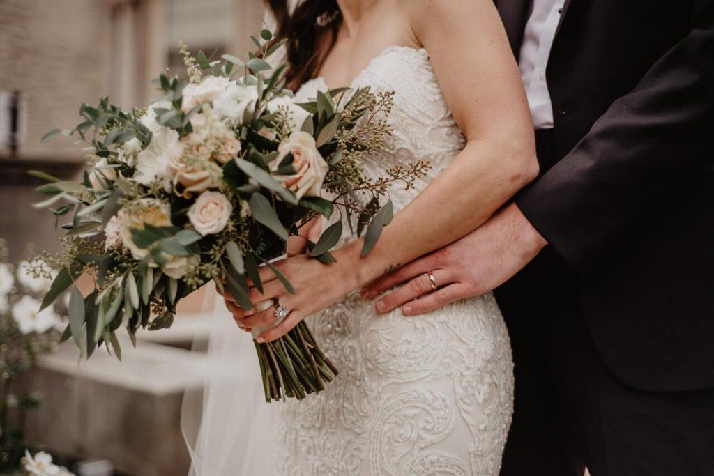 ドレス姿をより華やかにしてくれるブーケもこだわってパーフェクトな花嫁姿を目指そう