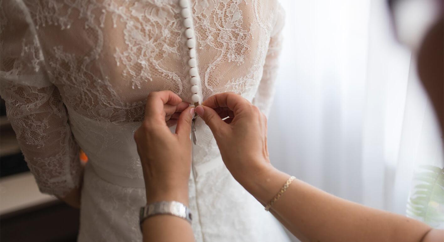 ウエディングドレスは2か月前までに決めるのがベスト!衣裳選びの流れを徹底解説